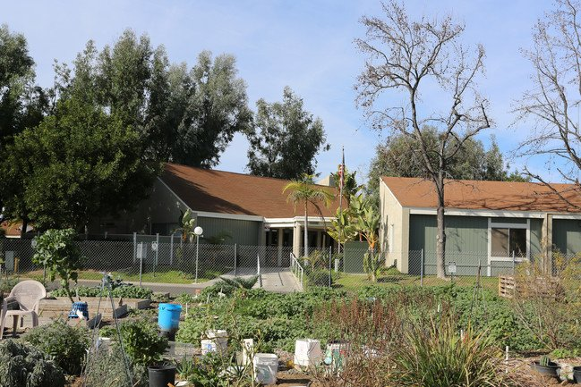 Senior Housing in Lakeside